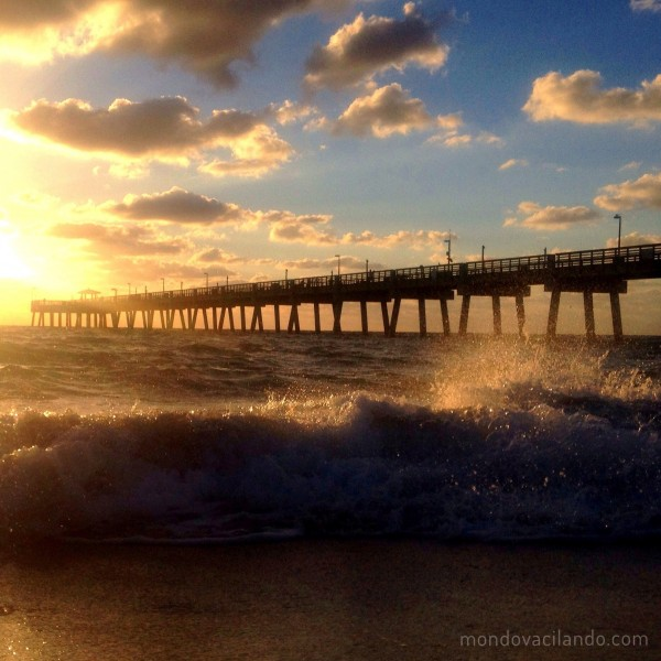 Sunrise at Dania Beach Pier by Vacilando