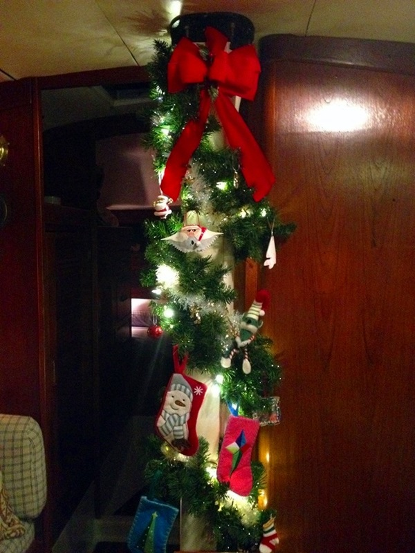 Christmas Tree Mast