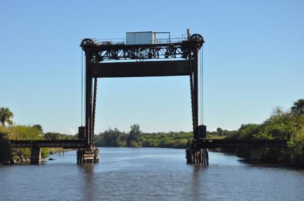 Port Mayaca railroad bridge - 49 foot bridge Okeechobee Waterway - Lake Okeechobee