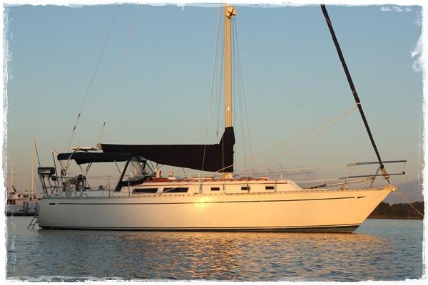 Vacilando - Cal 35 sailboat at anchor